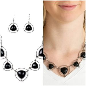 MAKE A POINT BLACK NECKLACE/EARRING SET